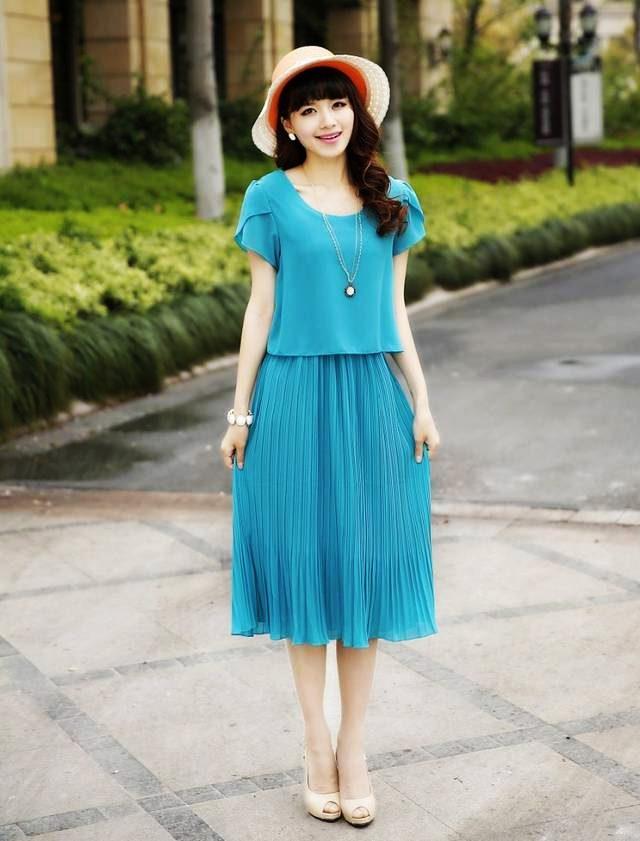 Dress4121-Blue Maxi Dress ชุดเดรสยาวทรงสวยสีพื้นฟ้าเข้ม แขนบัว เอวสม็อคยางยืด ช่วงกระโปรงอัดพลีท ผ้าชีฟองสีพื้นเนื้อหนาสวยเกรดพรีเมียมเนื้อดีไม่บางมีน้ำหนักทิ้งตัวสวย มีซับในอย่างดี งานดีดูสวยแพง ดีเทลดีงามดีไซน์เหมือนใส่สองชิ้น