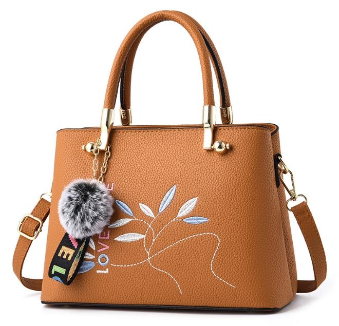 [ พร้อมส่ง ] - กระเป๋าแฟชั่น ถือ/สะพาย สีน้ำตาลอมส้ม หูเหล็กหนังปักลายสวยเก๋ ทรงตั้งได้ ดีไซน์สวยเรียบหรู ดูดี งานหนังสวยค่ะ + แถมปอมๆ