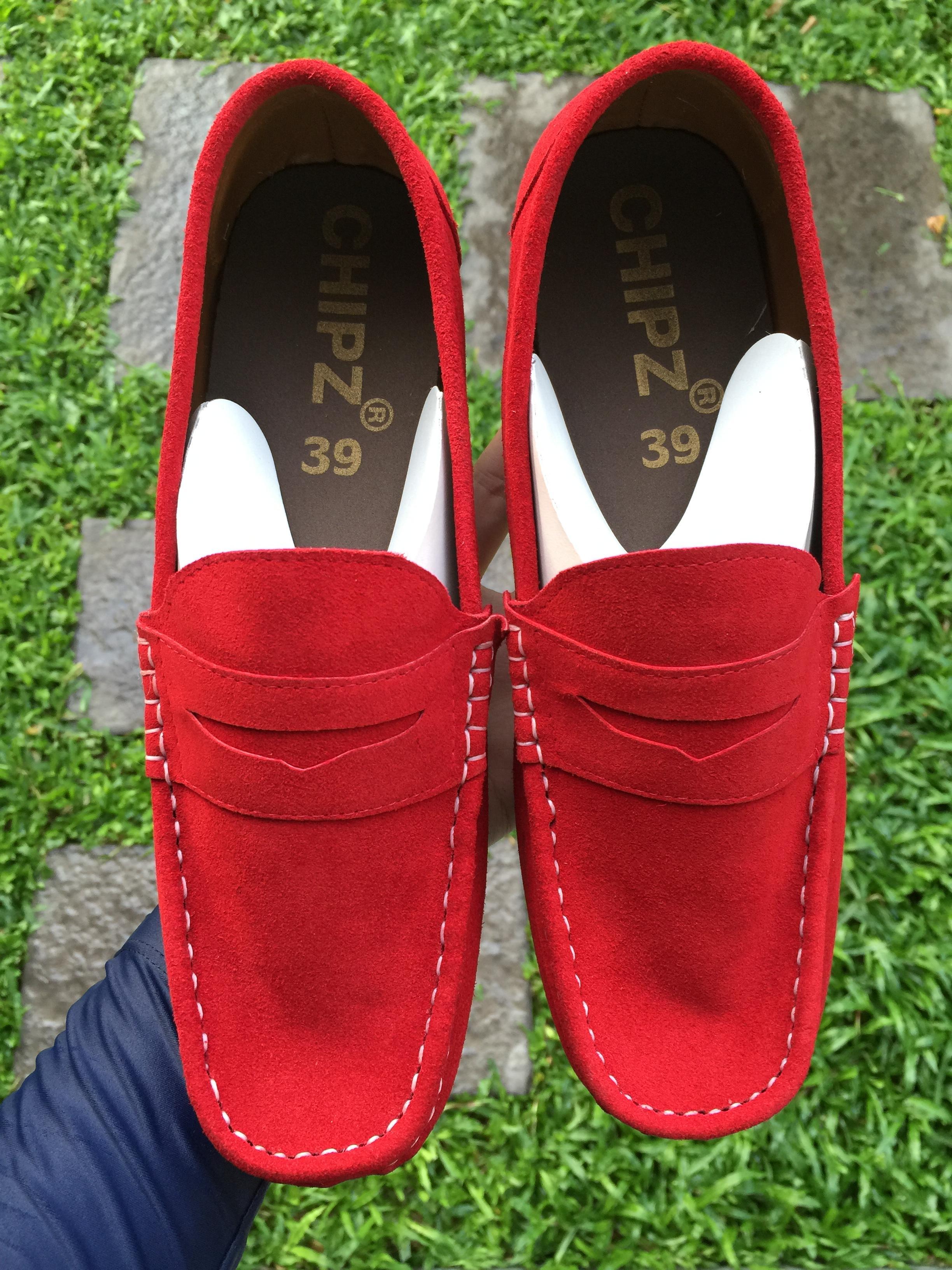รองเท้าหนังกลับแท้ รุ่นโลฟเฟอร์ สีแดง