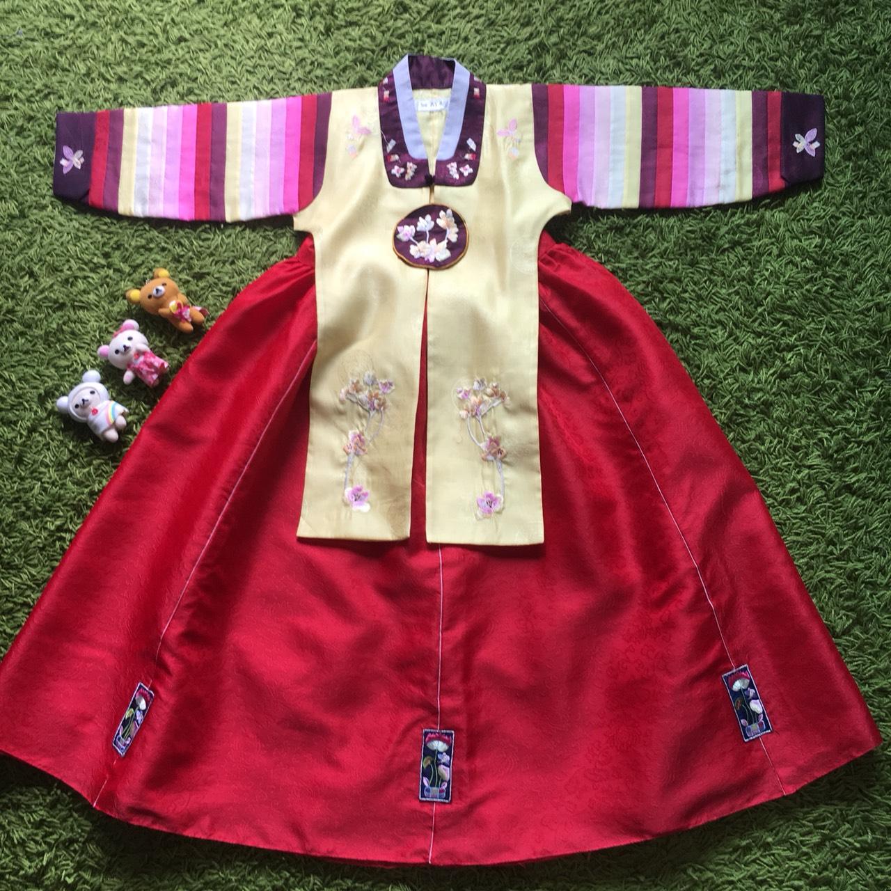 Hanbok Girl ฮันบกชาววังสีเหลือง สำหรับเด็ก 6 ขวบ
