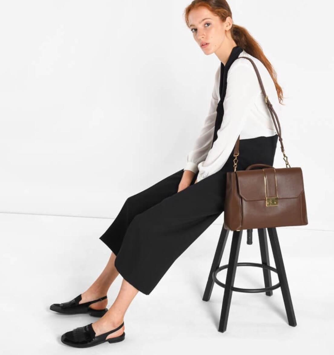 กระเป๋า CHARLES & KEITH SAFFIANO HANDBAG 1,490 บาท free ems *OUTLET SALE แถมถุงผ้ากันฝุ่นคุ้มมากคร้า