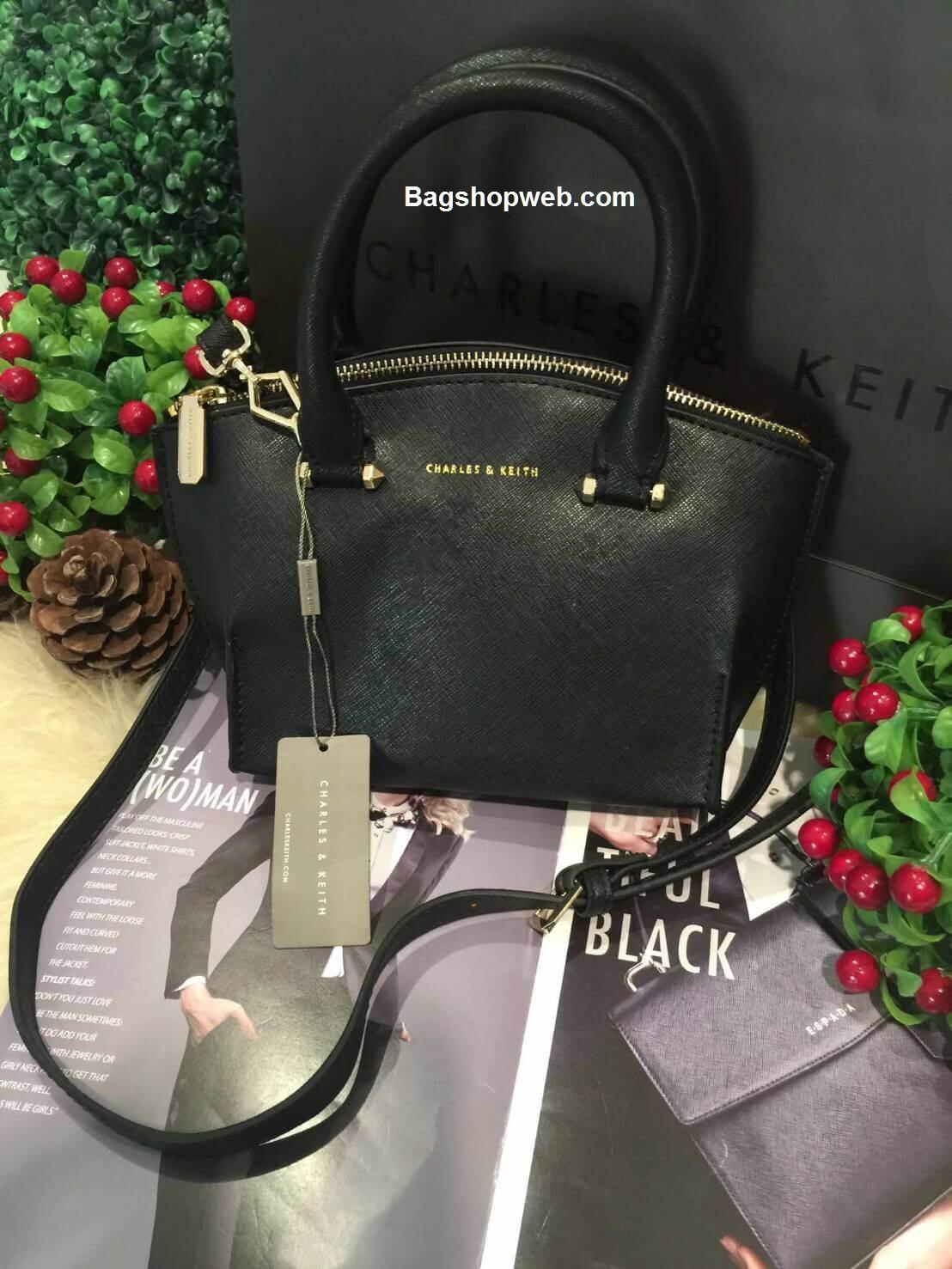 กระเป๋า CHARLES & KEITH TRAPEZE CITY BAG 2016 กระเป๋าถือหรือสะพายหนัง Saffiano