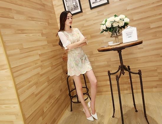 ชุดเดรสแฟชั่นเกาหลี ชุดเดรสน่ารัก ชุดเดรสสวย ๆ มินิเดรสน่ารัก ๆ ชุดเดรสลูกไม้ คอกลม แขนสามส่วน ลายน่ารัก ๆ ( S.M )
