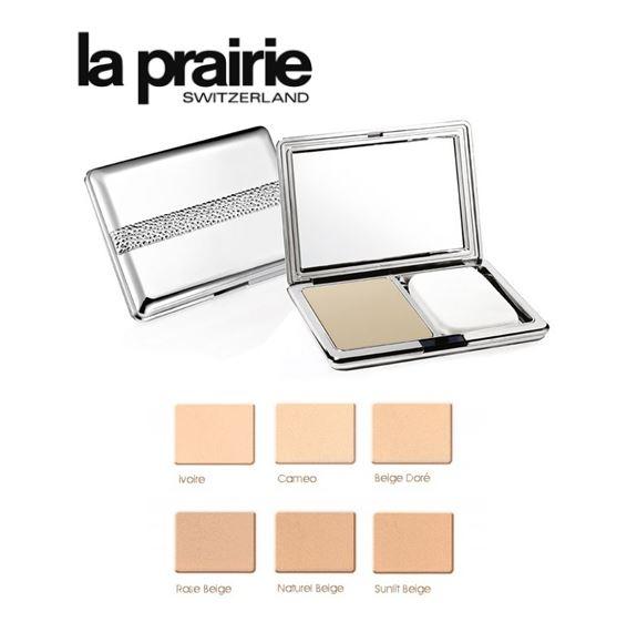 *พร้อมส่ง*La Prairie Cellular Treatment Foundation-Powder Finish 14.2g. แป้งผสมรองพื้น เผยผิวหน้ากระจ่างผ่องสดใสความเรียบเนียน เนื้อแป้งละเอียดบางเบา ผิวหน้าของคุณจึวกระจายแสงสดใสอย่างเป็นธรรมชาติ ช่วยควบคุมความมันระหว่างวัน ในรูปลักษณ์ตลับอันสวยหรู เพรีย