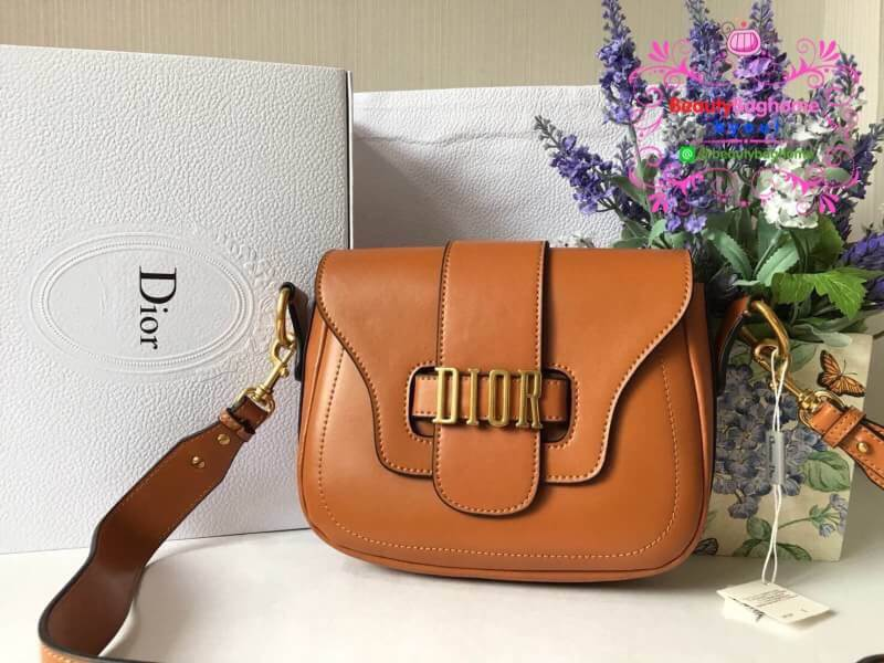 Dior D-Fence Saddle Bag สีน้ำตาลคาราเมล งา่นHiend Original