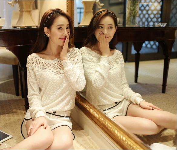 เสื้อลูกไม้สีขาวแขนยาว