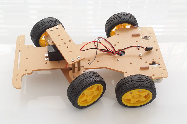 โครงหุ่นยนต์รถ 4 ล้อ ระบบเลี้ยว servo