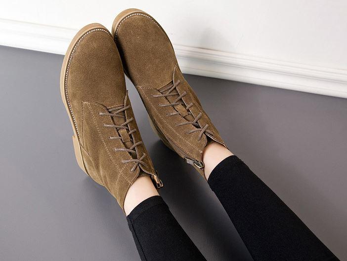 รองเท้าบูทผ้ากำมะหยี่ผูกเชือก