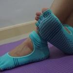 ถุงเท้าโยคะ YKA70-3 โปรโมชั่น 2 คู่ 499 บาท
