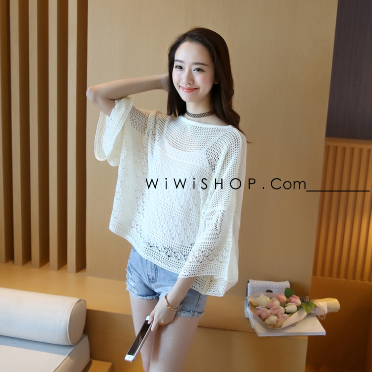 เสื้อไหมพรหมสีขาว