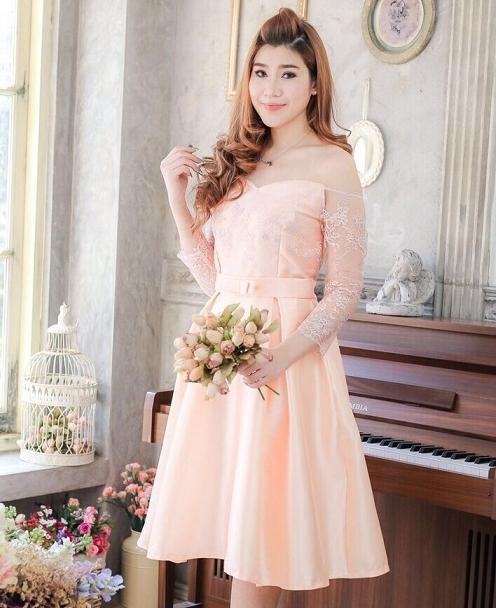 ชุดเดรสออกงาน ชุดไปงานแต่งงานสีส้มโอรส เปิดไหล่