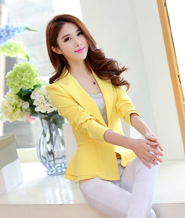 เสื้อสูทแฟชั่น เสื้อสูทผู้หญิง สีเหลือง คอปก แขนยาว เข้ารูปช่วงเอว ไหล่ยก แต่งระบายชายเสื้อ