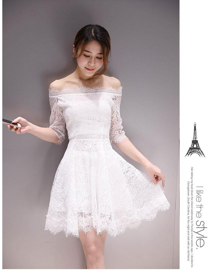 ชุดเดรสสั้นสีขาว เปิดไหล่ ผ้าลูกไม้ แขนห้าส่วน แนวสวยหวาน น่ารักๆ