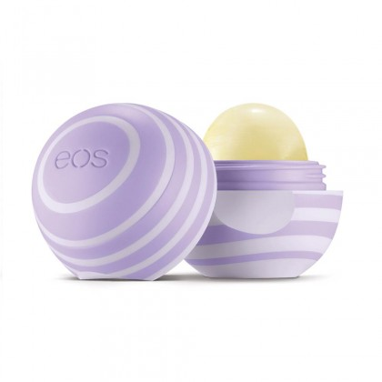 รุ่นใหม่ล่าสุดจ้าา EOS lip balm กลิ่น Blackberry Nectar (แบล็กเบอร์รี่) 95% organic 100% natural เพื่อริมฝีปากชุ่มชื่น