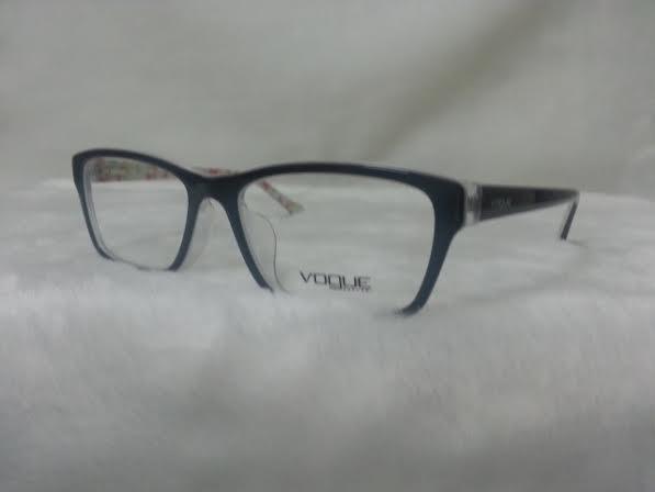 Vogue 2952 1295 โปรโมชั่น กรอบแว่นตาพร้อมเลนส์ HOYA ราคา 2,500 บาท