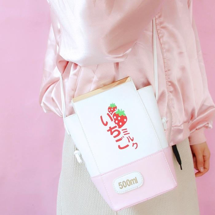 กระเป๋าสะพายข้างทรงกล่องนม หนัง PU พิมพ์ลาย (มีให้เลือก 2 สี/ลาย)
