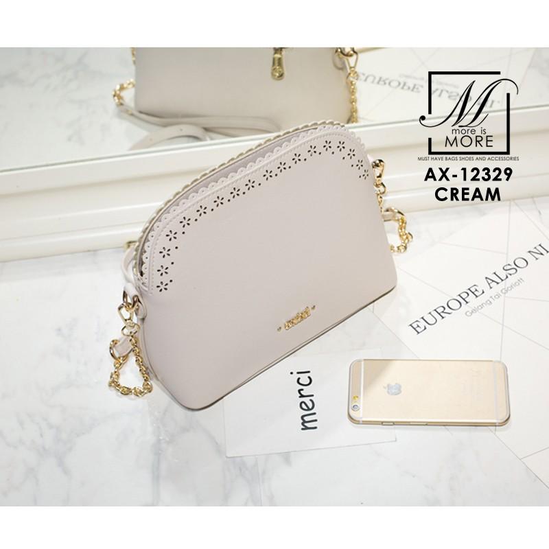 กระเป๋าสะพายกระเป๋าถือ แฟชั่นนำเข้าแบบคุณหนู AX-12329-CRM (สีครีม)