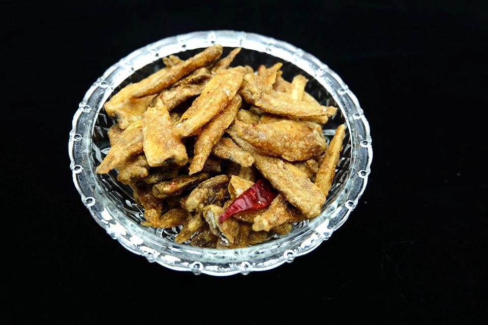 อาหารทะเลแห้ง ปลาเกล็ดขาว อบกรอบ (ครึ่งกิโลกรัม)