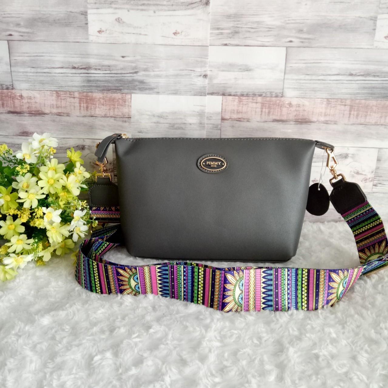👜👜FS0971-กระเป๋าพิมมี่หนังนิ้ม สายสปอร์ต ขนาด 3.5*9*7 นิ้ว 👜👜 ด้านใน 1 ช่อง ซับในตามสีกระเป๋า มีช่องใส่ของด้านใน จุของได้เยอะ ใส่กระเป๋าสตางค์ใบยาวได้ สายสปอร์ตสายเก๋ๆ ปรับระดับได้