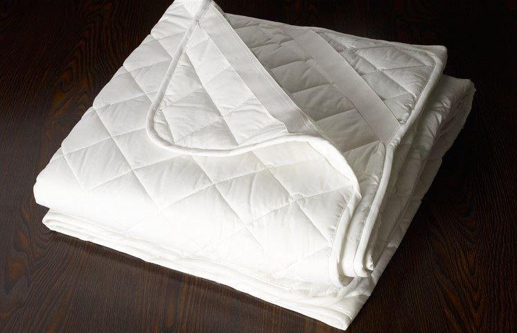 แผ่นรองเปื้อนที่นอน มียางรัดมุมไซต์ 6 ฟุต