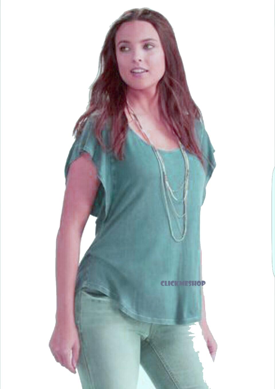 ( ไซส์ 18/20 หน้าอก 46-48 นิ้ว) เสื้อยืด สีเขียว ยี่ห้อ Cato ด้านหลังมีเชือกถักน่ารักคะ