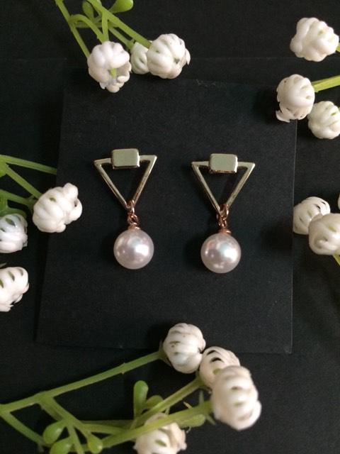 Pearl mini drop earrings