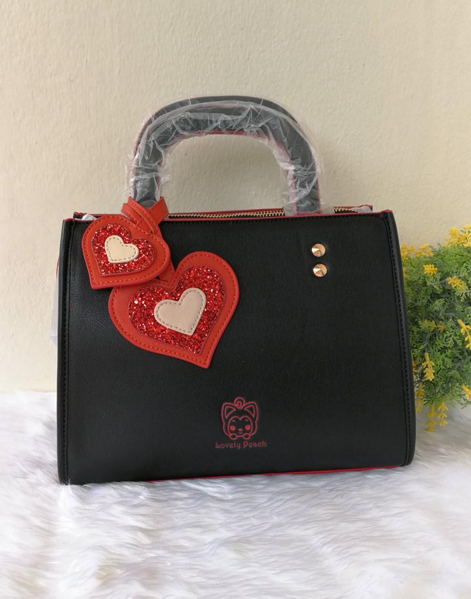 กระเป๋าสะพายหนังนิ่มแต่งหัวใจแบรนด์ Peach ของแท้ 💯%