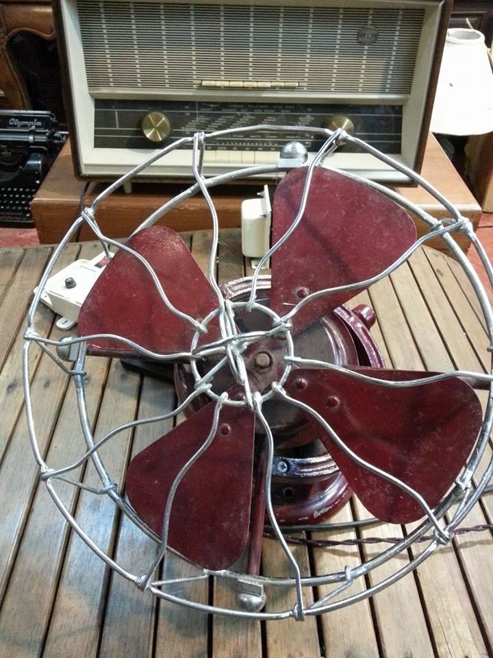 พัดลมเพดาน Antique Imperiston Fan ของอังกฤษ ปี 1950