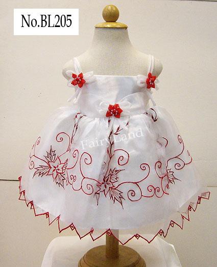 ชุดกระโปรงเด็กหญิงสีขาวสายเดี่ยวปักลาย BL205
