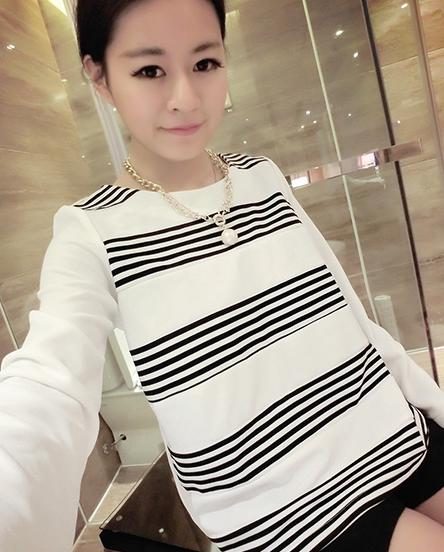 เสื้อยืดแขนยาวเกาหลี ขายขวาง ใส่สบายด้วยเนื้อผ้าที่ยืดหยุ่น มีให้เลือก 2 สไตล์