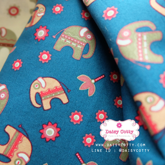 ผ้าคอตตอน 100% 1/4 ม.(50x55ซม.) พื้นสีฟ้า ลายช้าง