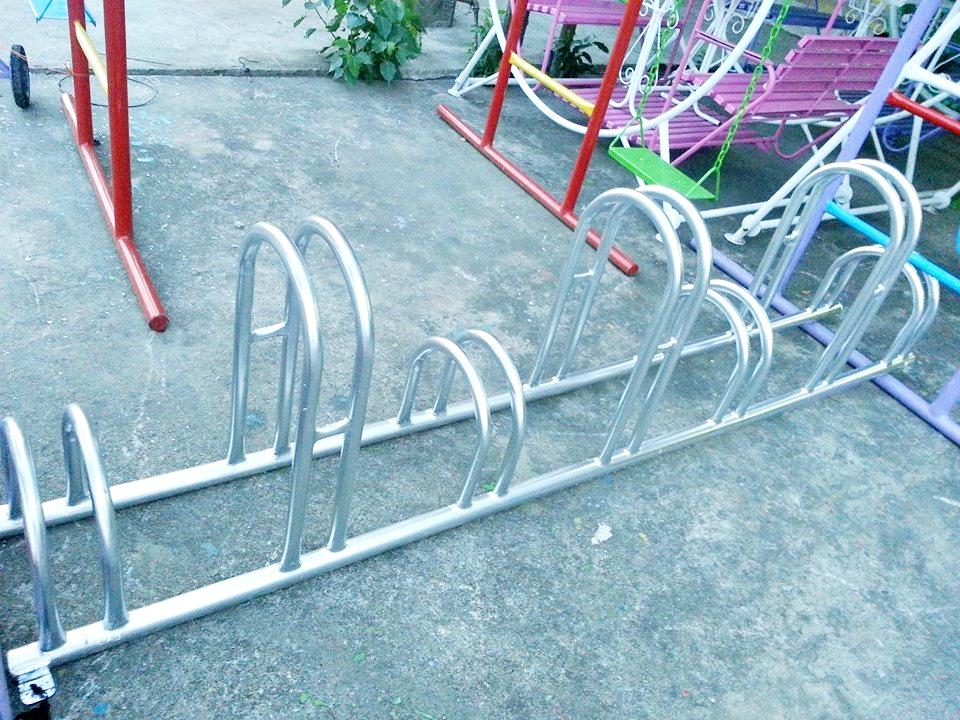 ที่จอดรถจักรยาน 7 ที่ (คันเล็ก/คันใหญ่)