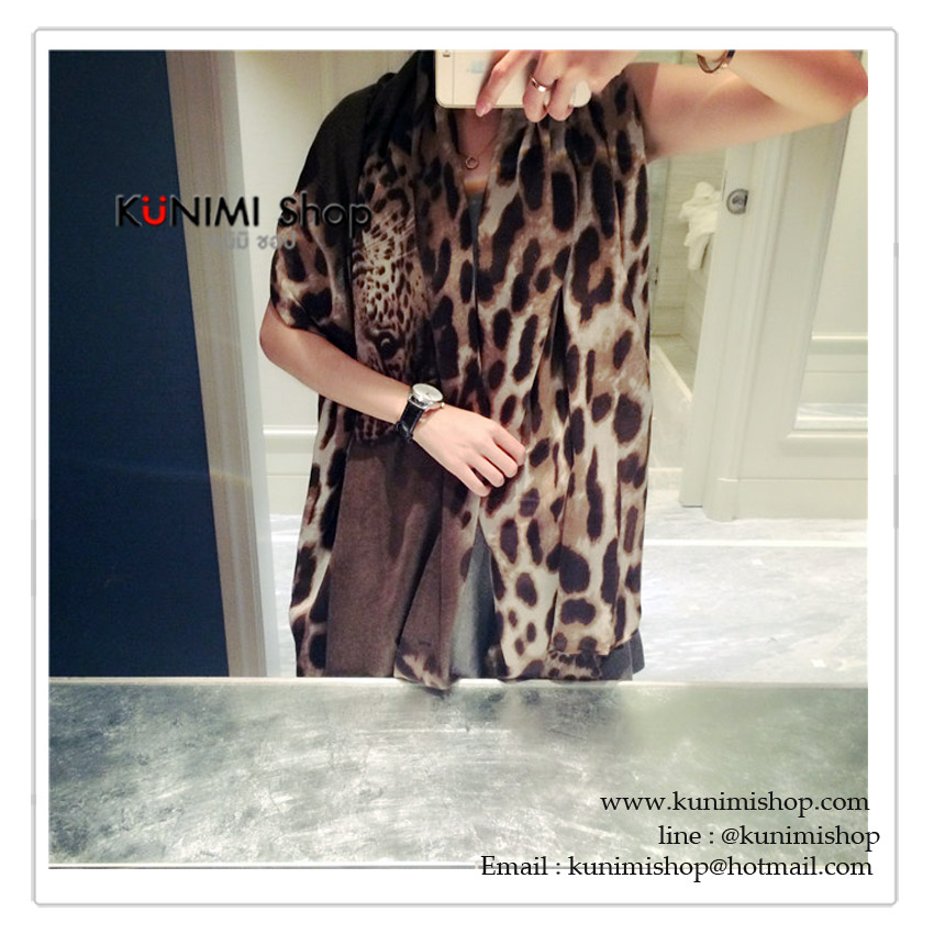ผ้าพันคอ แฟชั่น ลายเสือ สวย เก๋ สามารถใช้พันคอ คลุมไหล่ สวยดูดี ใช้ได้ทุกโอกาส ซื้อเป็นของขวัญก็ดูดีคะ ขนาด : 180 x 110 cm. ผ้า : ฝ้าย