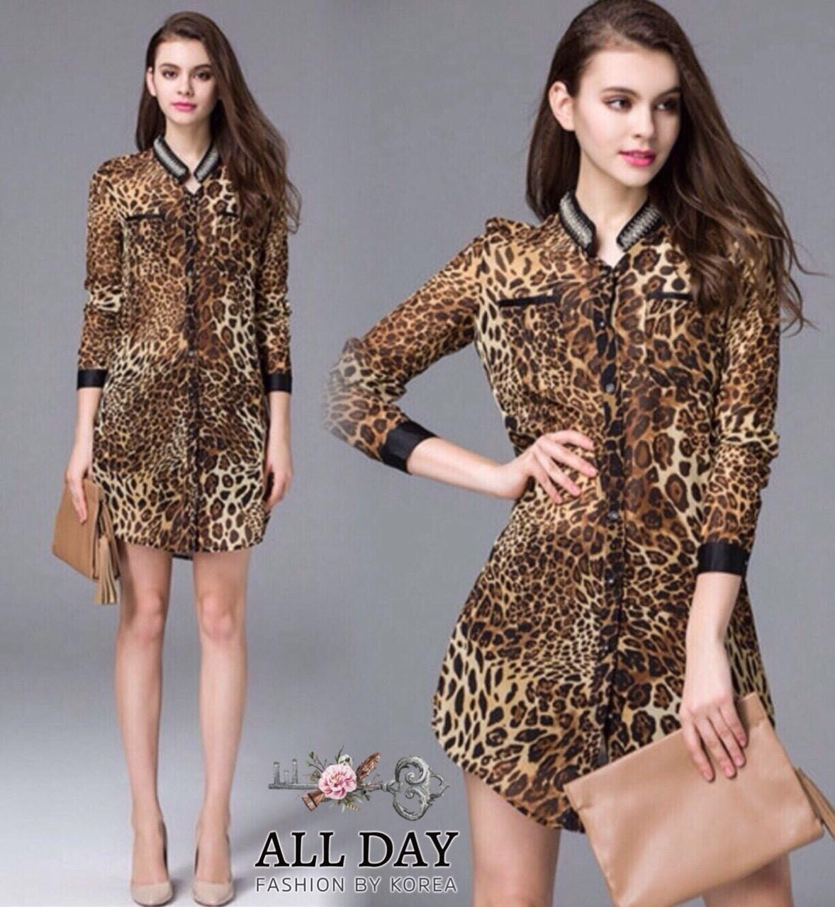 เสื้อเชิ้ตผ้าจอร์เจียพิมพ์ลายเสือดาว ใส่เป็นเสื้อตัวยาว หรือคนตัวเล็กใส่เป็นเดรสสั้นได้ค่ะ