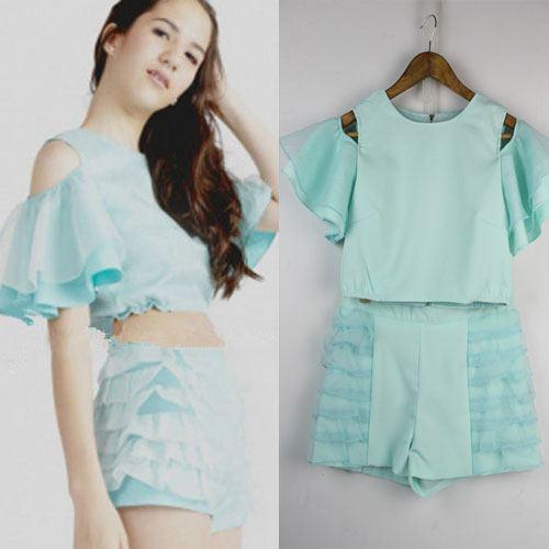 ViVi Party ++สินค้าพร้อมส่งค่ะ++ ชุดแฟชั่นเซ็ทเกาหลี เสื้อโชว์ไหล่ เอวลอย ดีไซด์แขนพอง+กางเกงขาสั้น แต่งริ้วข้างน่ารัก – สี Mint
