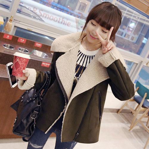 ++สินค้าพร้อมส่งค่ะ++ เสื้อ jacket เกาหลี คอปกพับ แขนยาว ผ้าหนังกับด้านนอก+ด้านในขนอกะเนื้อดีมาก ดีไซด์เทห์ มี 2 สีค่ะ – สี เขียว
