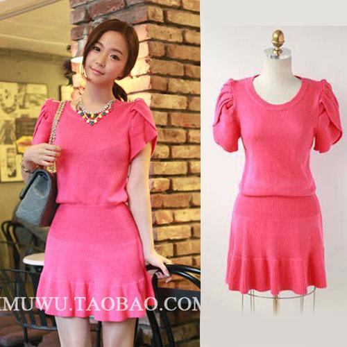 ++สินค้าพร้อมส่งค่ะ++ชุดเดรสเกาหลี คอกลม แขน Swing lotus ผ้า sweater knit เนื้อดีมากค่ะ ขอบเอวกว้าง ปลายเดรสระบาย มี 2 สีค่ะ – สี Red Rose