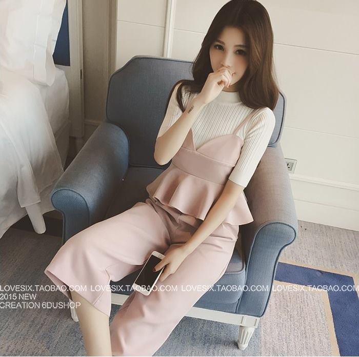 แฟชั่นเกาหลี set เสื้อและกางเกงสุดสวย ผ้าเนื้อนิ่ม ยืดหยุ่นได้ ทิ้งตัวสวยมากๆ